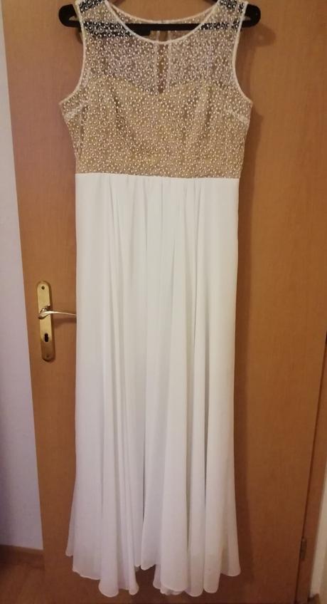 Jednoduché svadobné alebo spoločenské šaty - Obrázok č. 1