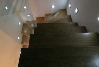 musíme vybrat schody...