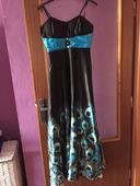 spoločenské šaty s pávím vzorom, 40