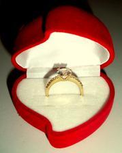 Môj zásnubný prsteň...