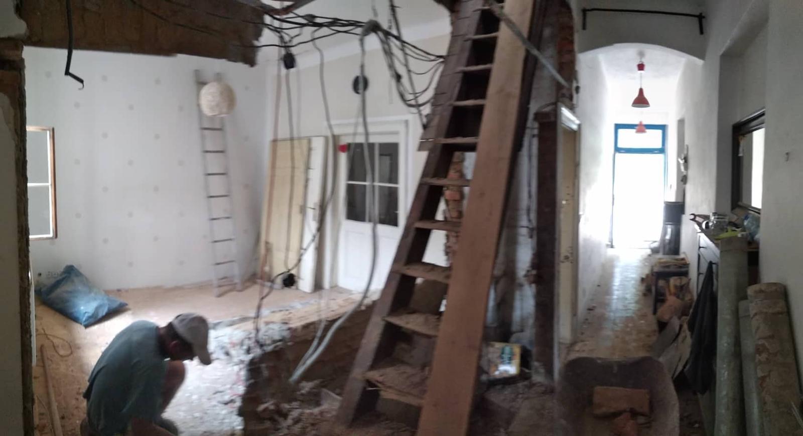 """Ruina 2 - Propojením chodby a dětského pokojíku vznikne hala, které pracovně říkáme """"schodišťová""""."""