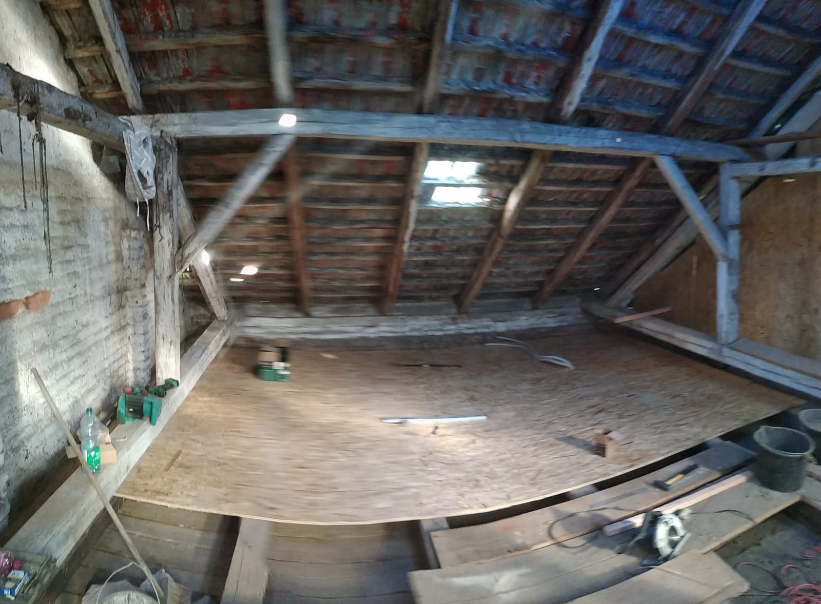 Ruina 2 - Pomalu vyklízíme a chystáme na beton do stropu.