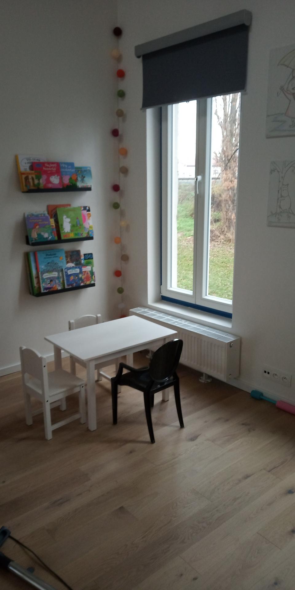 Ruina 2 - První hotové kousky dětského pokoje.