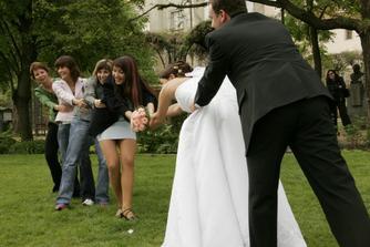 Kamarádky by chtěli svatební kytičku...my se ale nedáme:-)