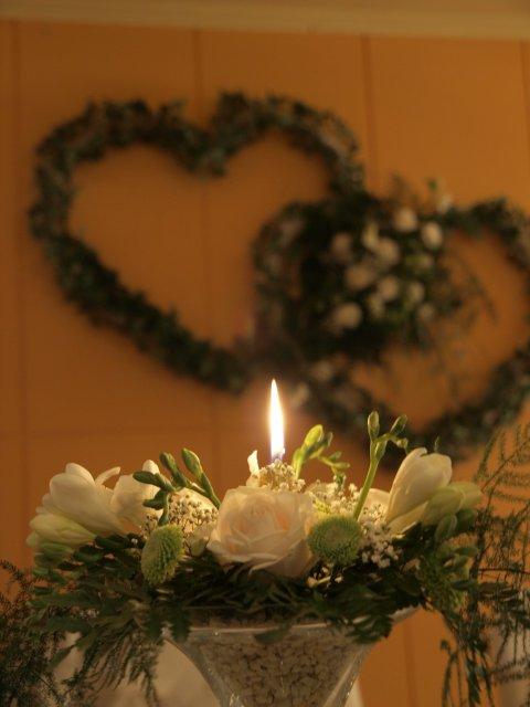 Majka a Andrej 11.10.2008 na moju 30 - niečo podobné si naaranžujem sama - ja aranžujem kvety v kostole na svadby....a mne nemá kto...