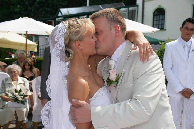 Majka a Andrej 11.10.2008 na moju 30 - takýto závoj sa mi už šije