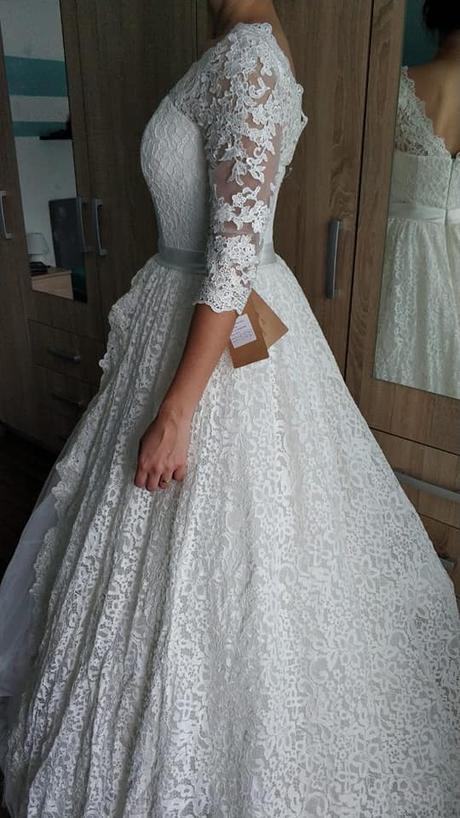 Svadobné čipkované šaty - Obrázok č. 1