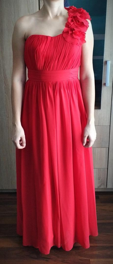Červené šaty so šnurovačkou - Obrázok č. 1