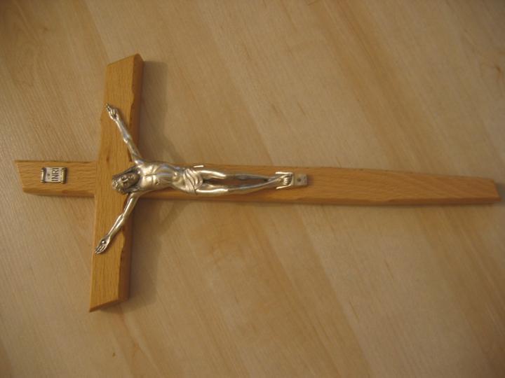 Prípravy na náš vysnívaný deň - krížik z Medžugorie