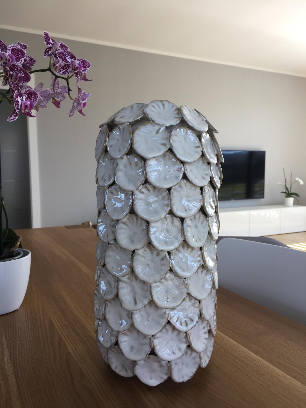 Váza Dot bílá - Obrázek č. 2