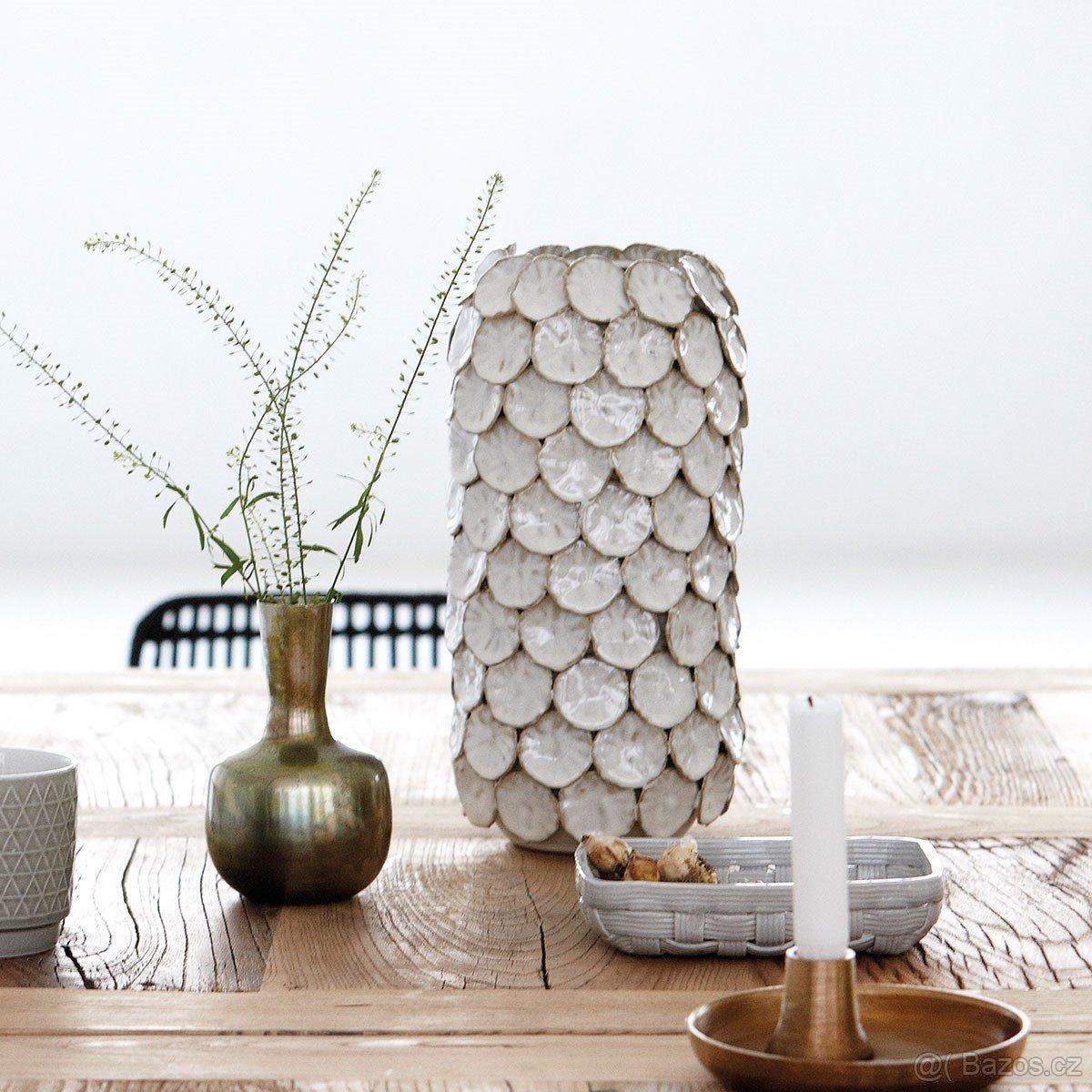 Váza DOT bílá 30cm (House Doctor) - Obrázek č. 1