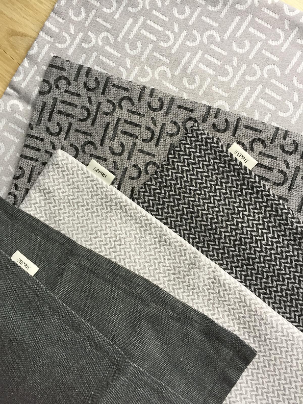 dekorace - Povlaky na polštářky značky Esprit :-) v bazárku