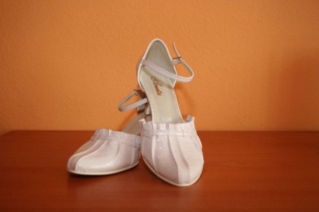 Jarka a Slavko prípravy na 20.06.09 - Moje svadobné topánočky