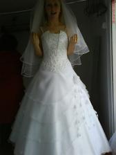 Moje svadobné šaty, závoj mám iný
