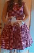 Červené šaty s puntíky a stuhou, L