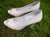 Pěkné boty s otevřenou špičkou, 40