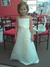 Karolínka a její šaty