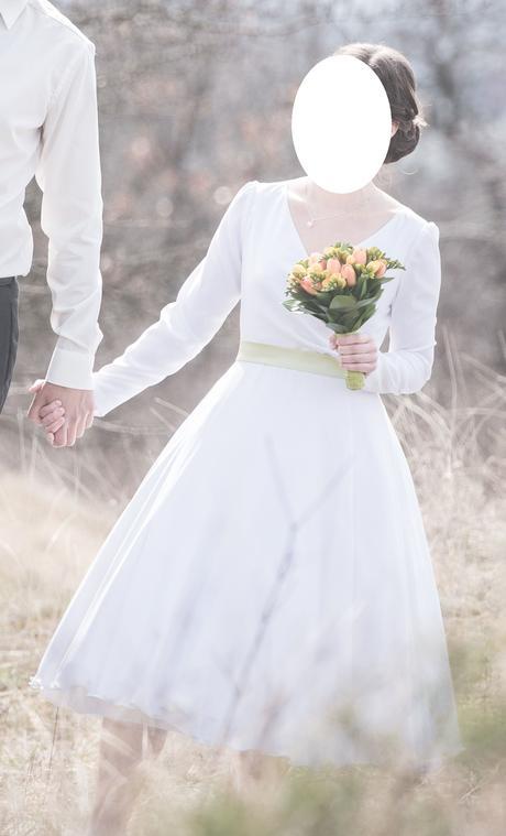Svatební šaty s dlouhým rukávem - Obrázek č. 3