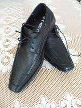 ...a topánočky...