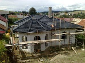 konečne mame dokončenu strechu