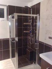 dokončený sprchovaci kút