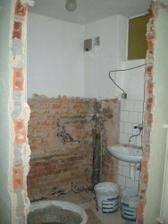 koupelna pře vybouráním