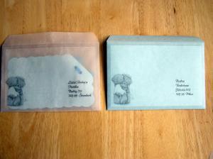 obálky-průhledná je pauzovací papír a druhá tenký modrý papír