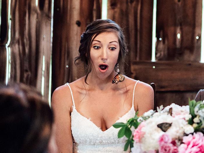 Rodina ženícha vypustila počas svadby motýľov na počesť jeho sestry, ktorá zomrela - Obrázok č. 4