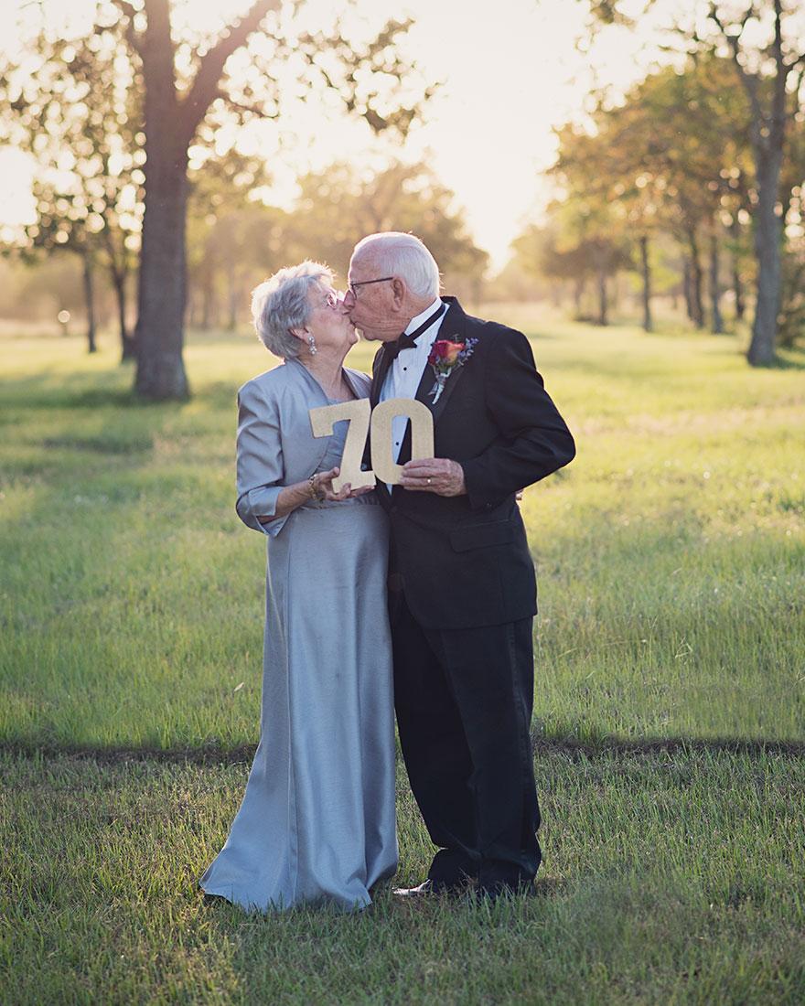 Táto dvojica čakala na svoje svadobné fotky 70 rokov - Obrázok č. 1