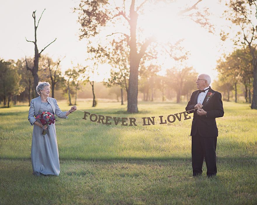 Táto dvojica čakala na svoje svadobné fotky 70 rokov - Obrázok č. 2