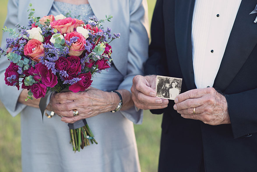 Táto dvojica čakala na svoje svadobné fotky 70 rokov - Obrázok č. 3