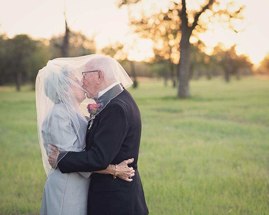 Táto dvojica čakala na svoje svadobné fotky 70 rokov - Obrázok č. 6