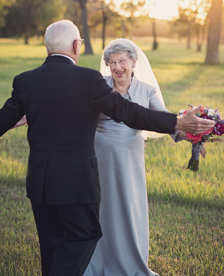 Táto dvojica čakala na svoje svadobné fotky 70 rokov - Obrázok č. 8