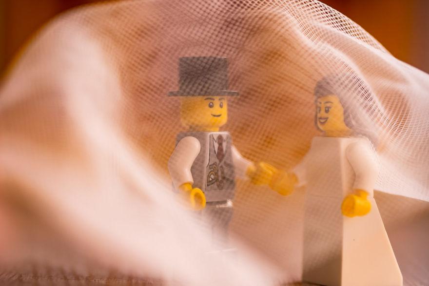 Fotograf počas pandémie vytvoril svadobné fotky vďaka stavebnici LEGO - Obrázok č. 15