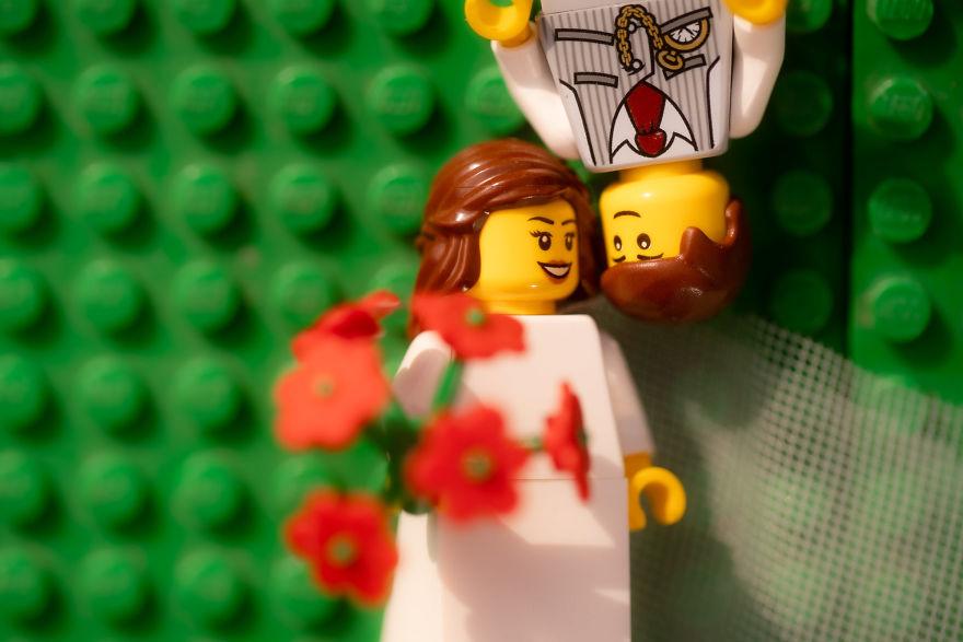 Fotograf počas pandémie vytvoril svadobné fotky vďaka stavebnici LEGO - Obrázok č. 17