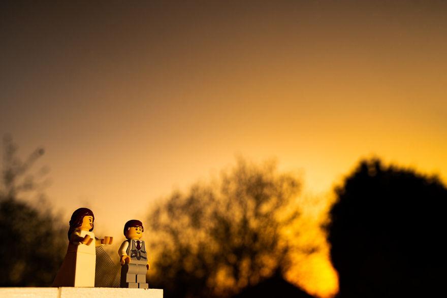 Fotograf počas pandémie vytvoril svadobné fotky vďaka stavebnici LEGO - Obrázok č. 20