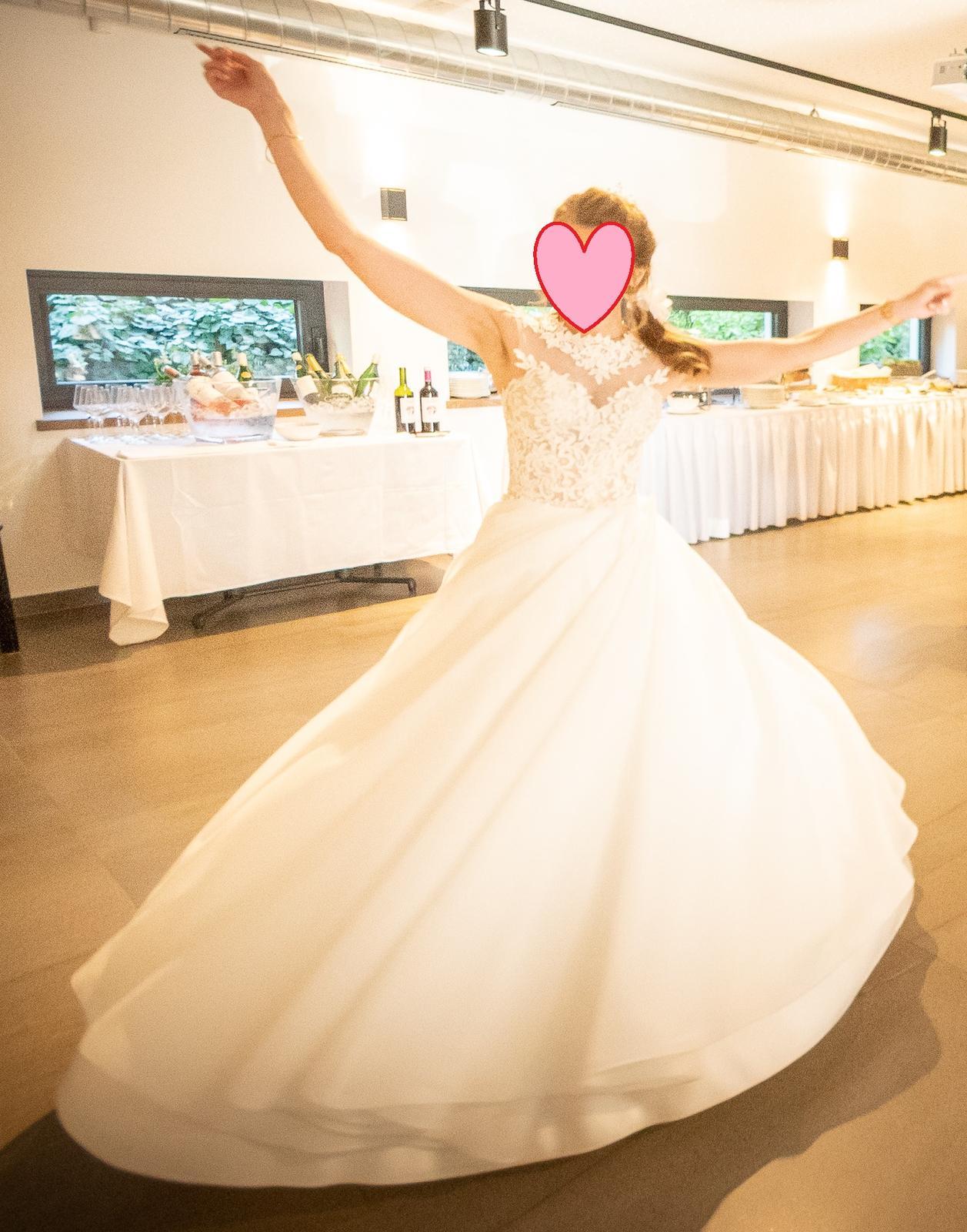 Svatební šaty vel. 32-34 - Obrázek č. 1