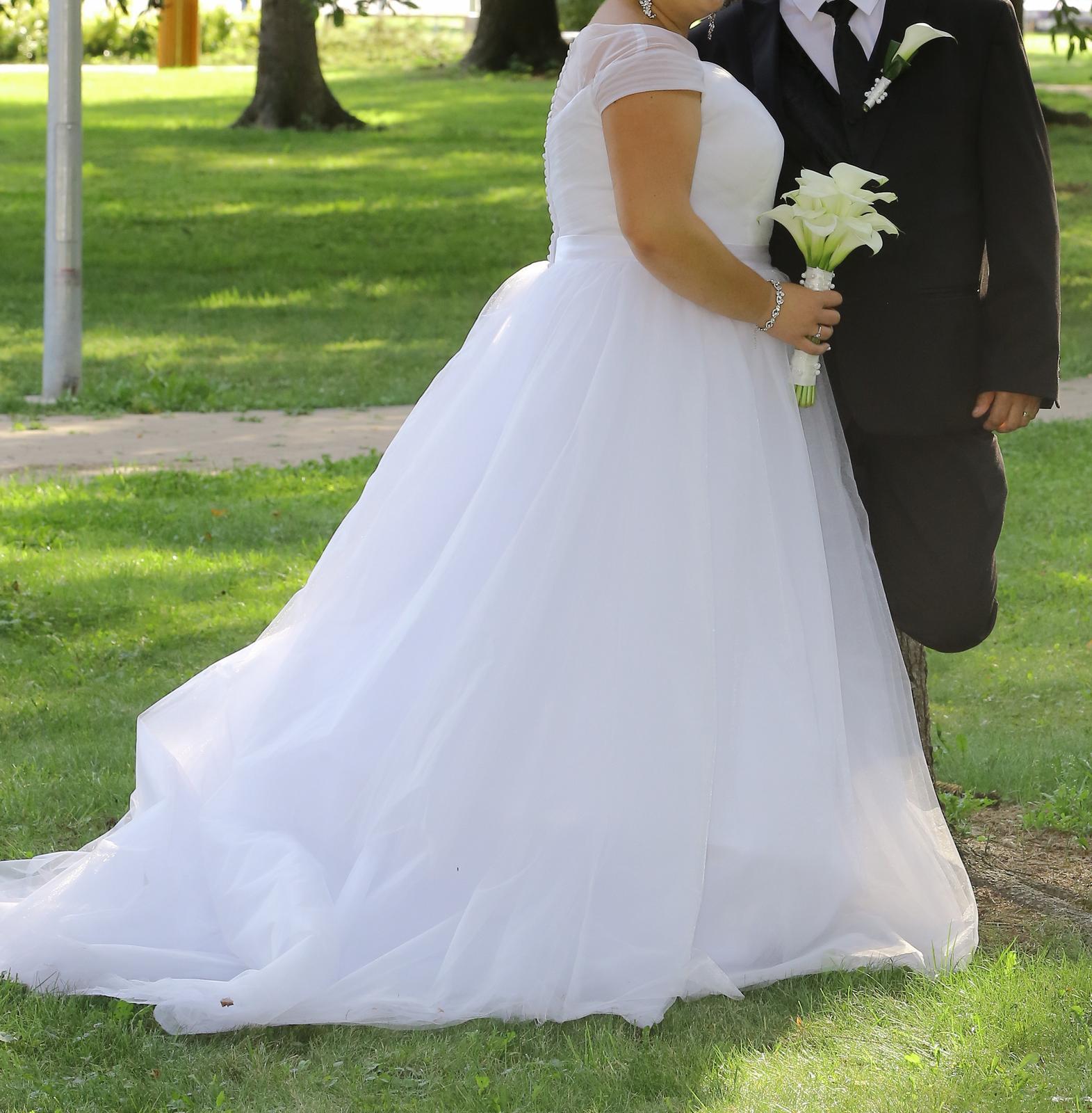 Rozprávkové svadobné šaty - Obrázok č. 1