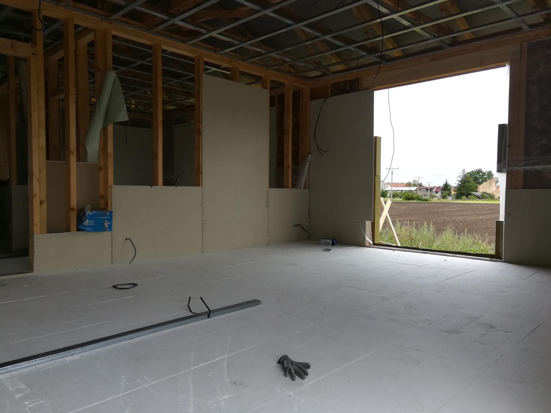 Pomalu začínáme stavět - polystyren položen