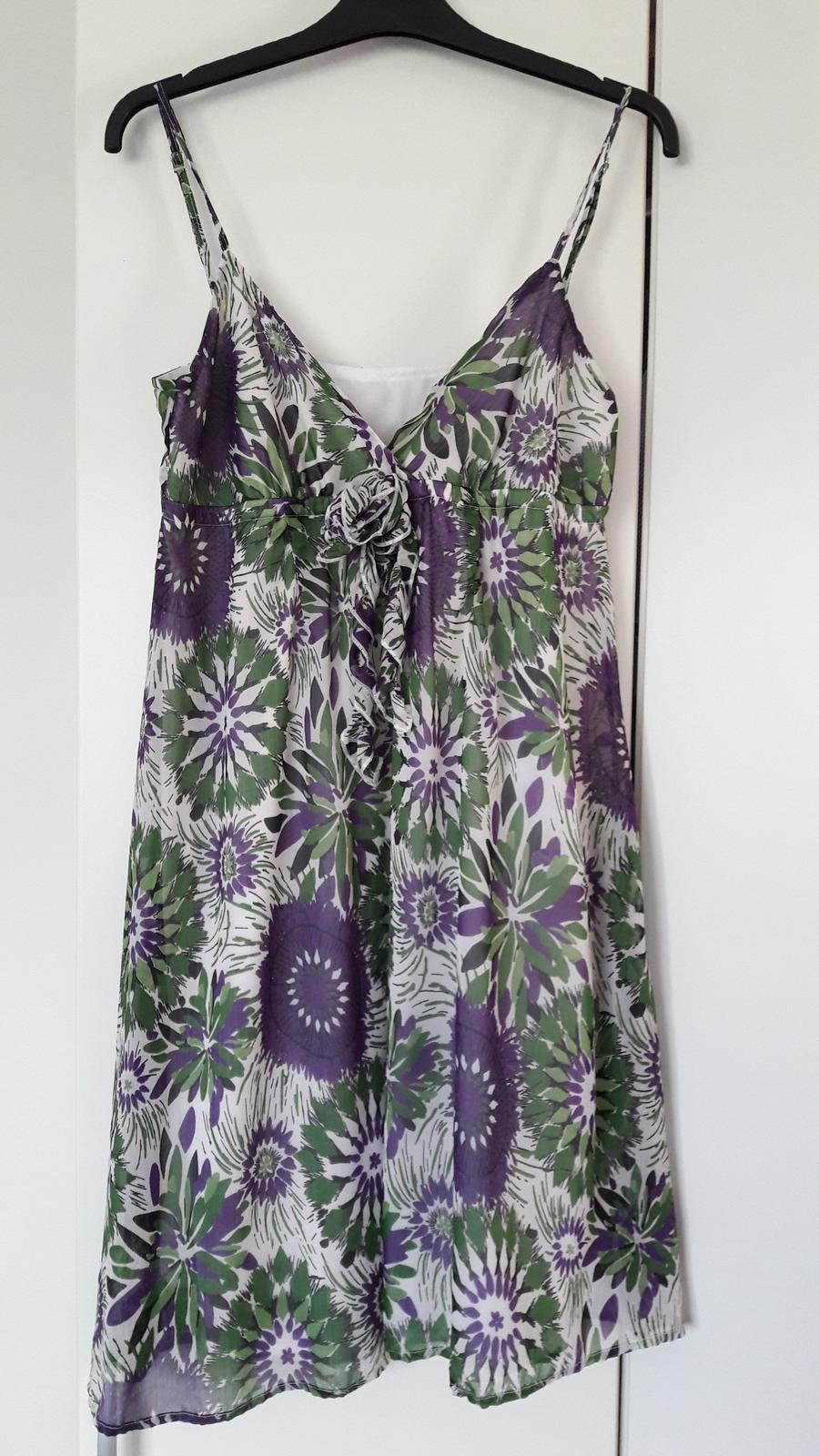 Květované šaty - Obrázek č. 1