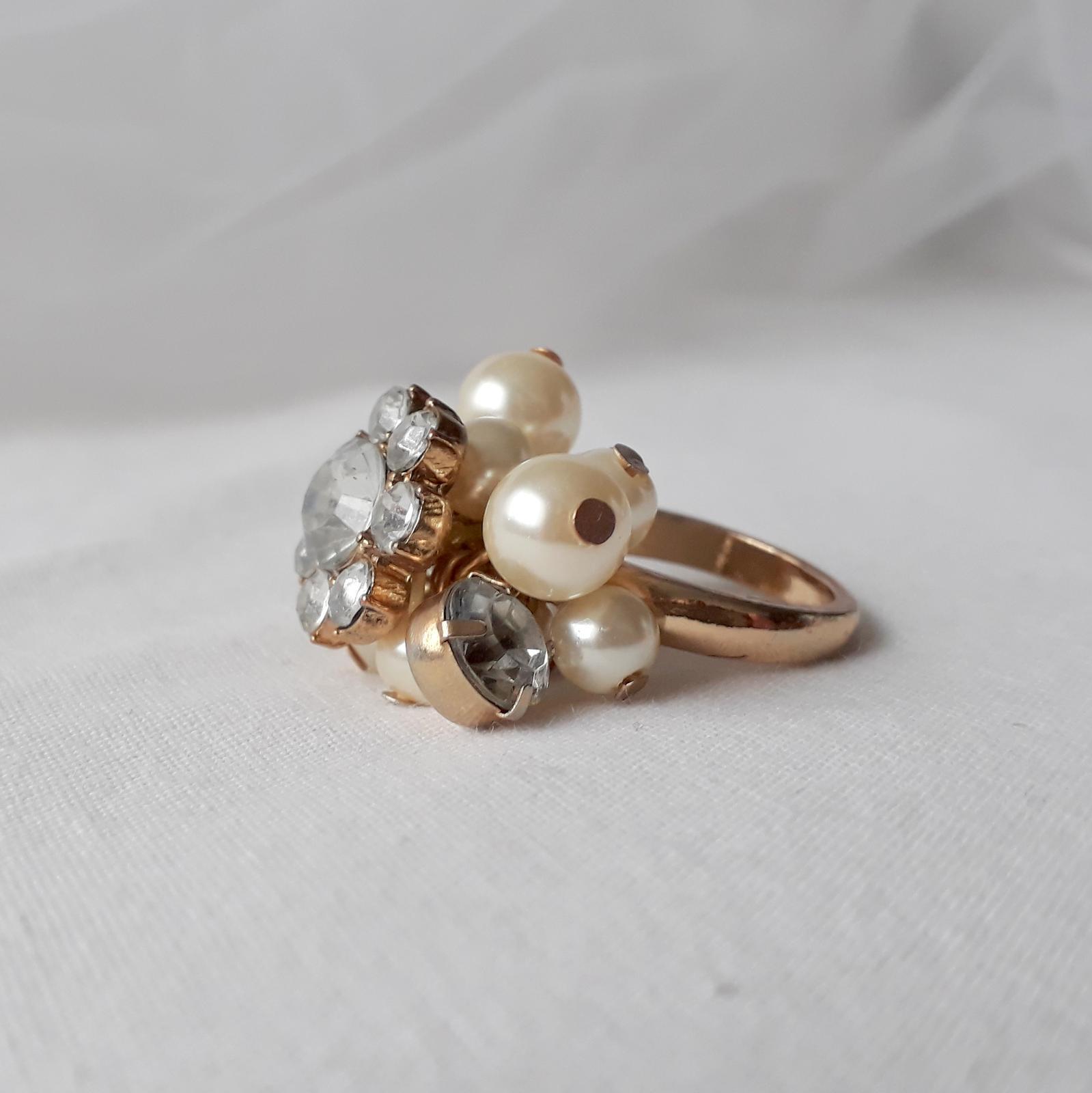 Zlatý prstýnek s perličkami - Obrázek č. 1