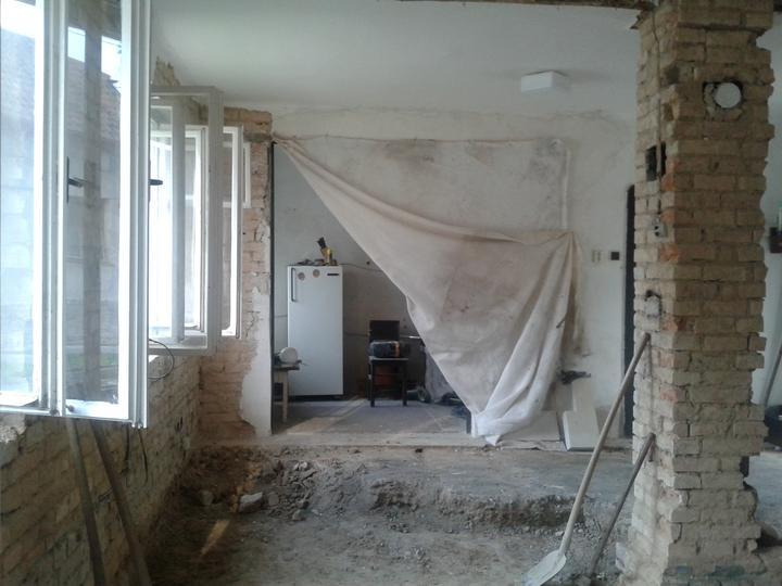 Domeček rekonstruujeme pro rodiče - Podlaha už není