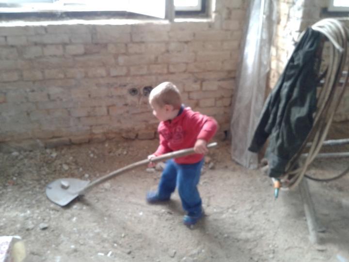 Domeček rekonstruujeme pro rodiče - Kubík pomocník
