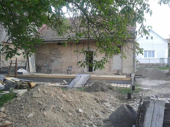 Domeček rekonstruujeme pro rodiče - Obrázek č. 28