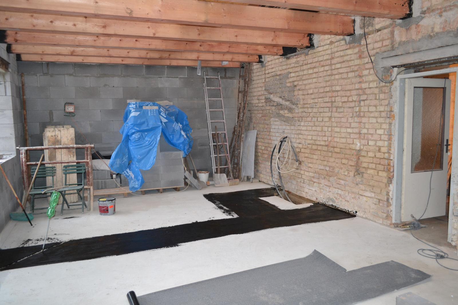 Domeček rekonstruujeme pro rodiče - Izolace pod zdi 2.11.