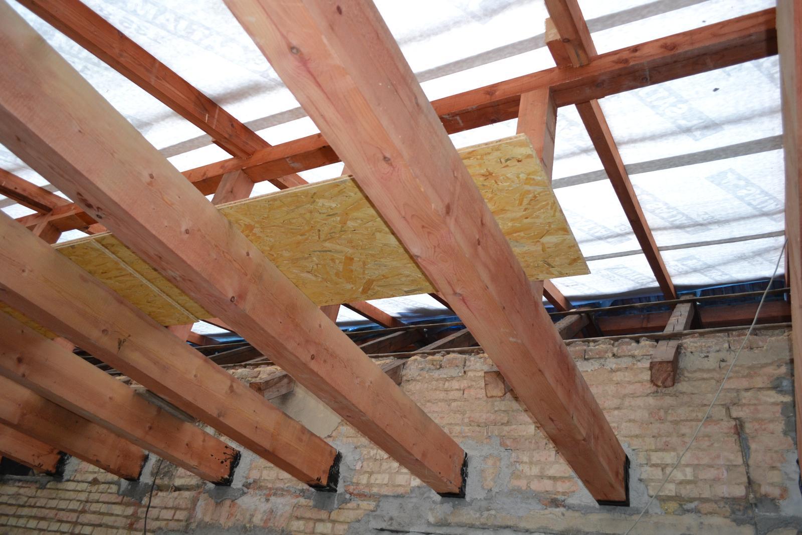 Domeček rekonstruujeme pro rodiče - Pruhledná střecha to by bylo :-)