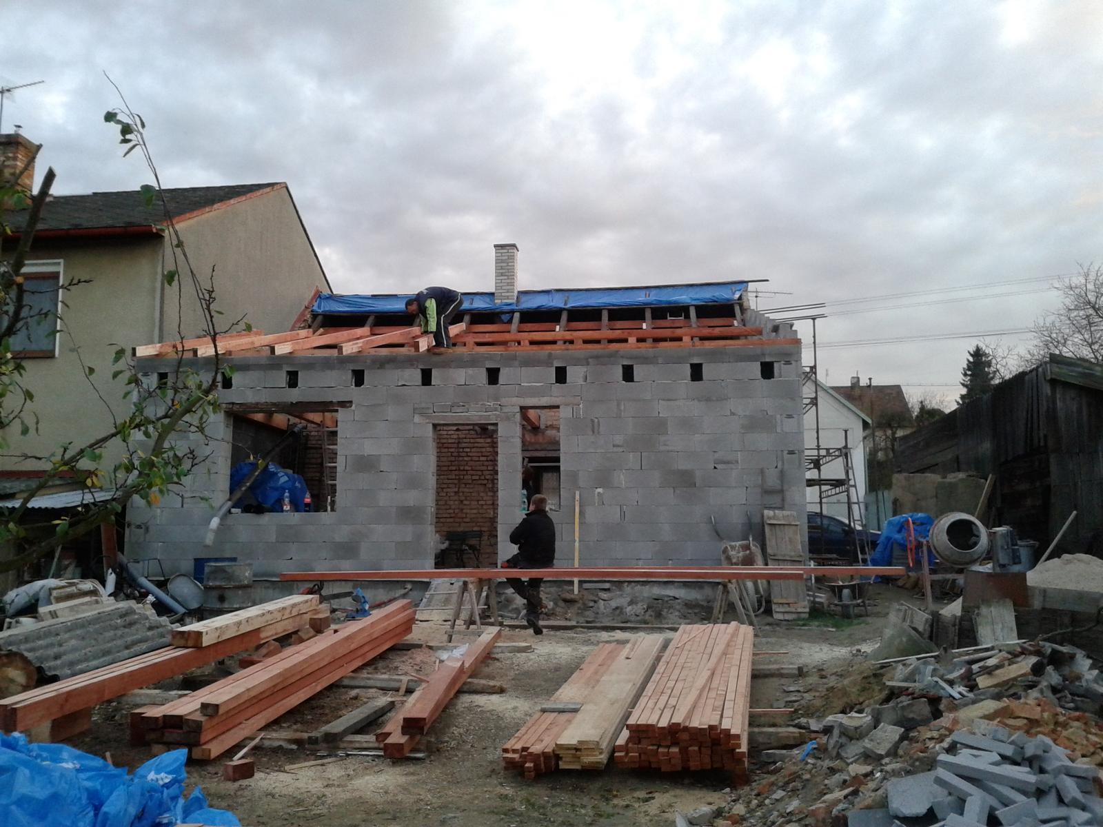 Domeček rekonstruujeme pro rodiče - Obrázek č. 50