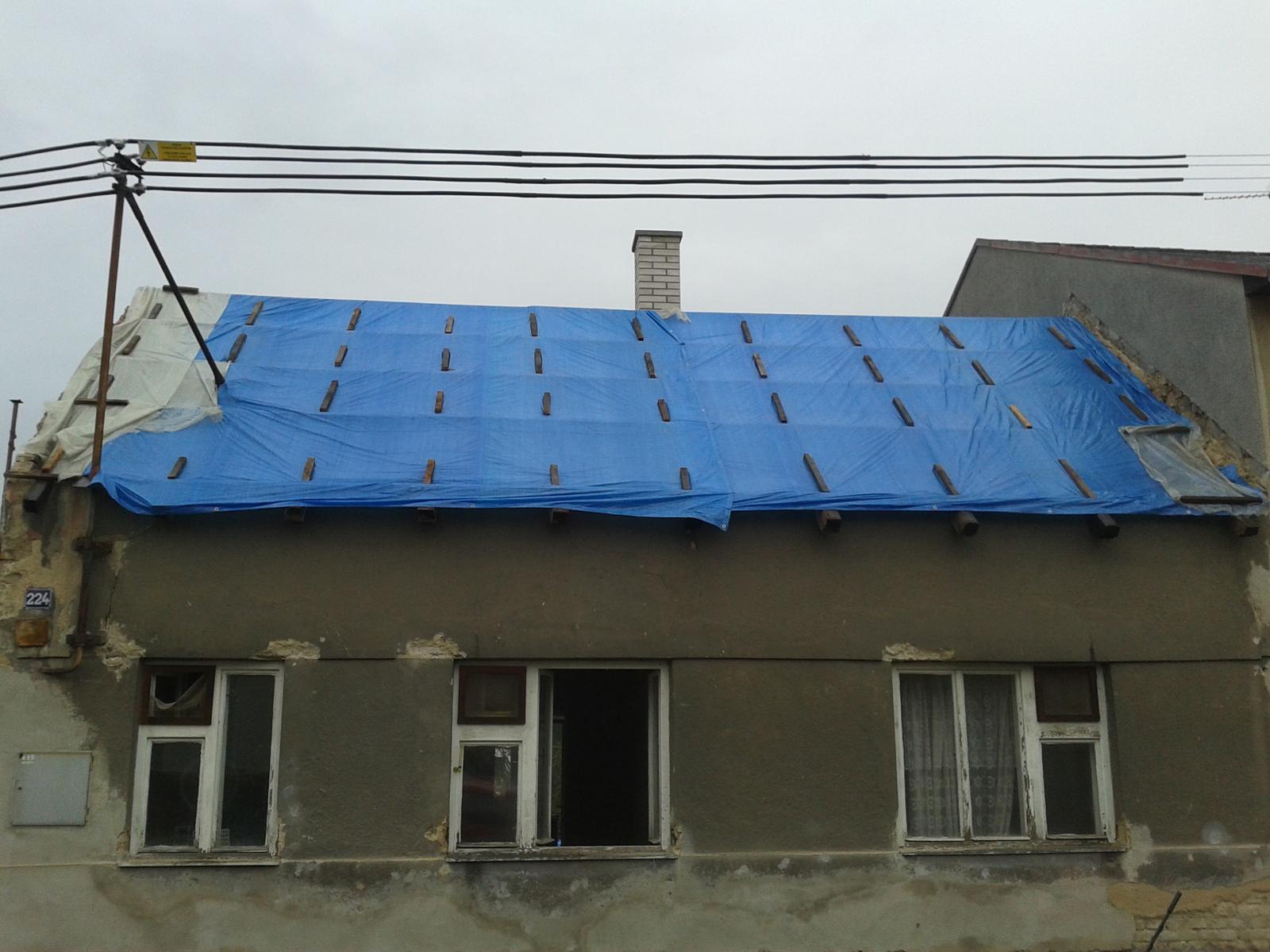 Domeček rekonstruujeme pro rodiče - 2.11. sundaná přední střecha