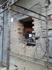 3.11. vytváří se okno do koupelny :-)