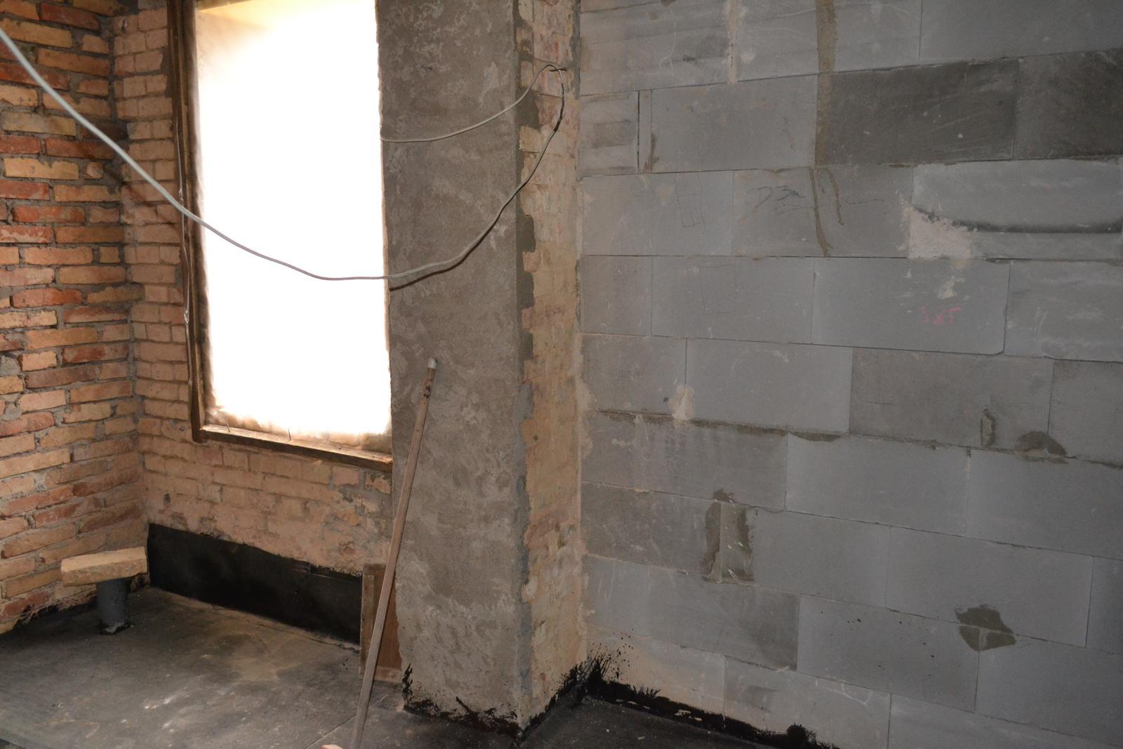 Domeček rekonstruujeme pro rodiče - koupelna